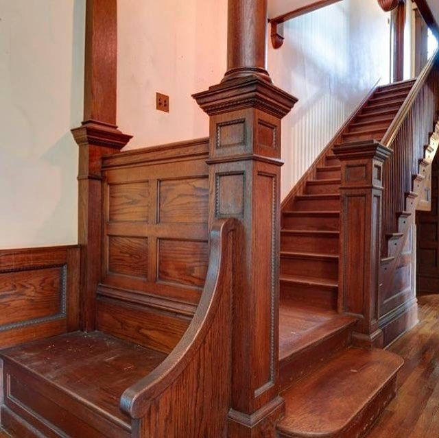 20 Excellent Traditional Staircases Design Ideas: Oh How I LOVE Old Stairways!!! 💕 #oldhouse #oldhouselove