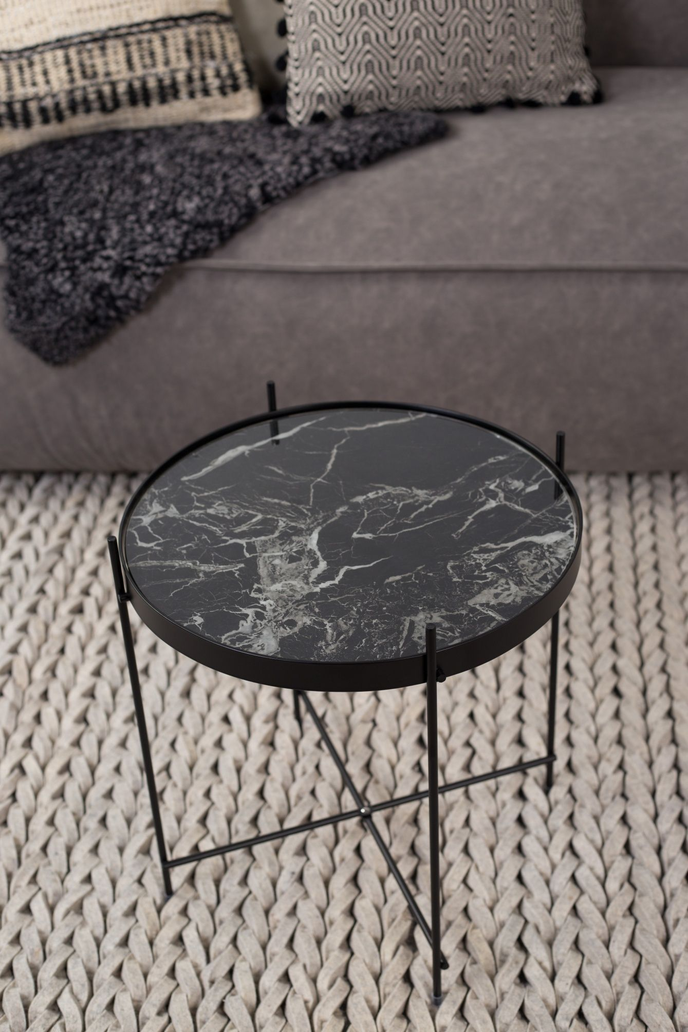 Zuiver Side Table Cupid Marble O43 X H45 Cm Black 2020