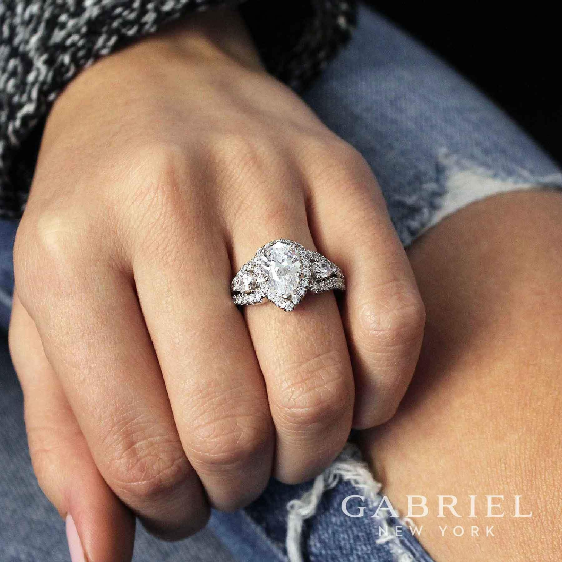 Pear Cut Pear Rings Pear Band 2.5 ct Lab Diamond Pear Solitaire Engagement Wedding Ring 14k Rose Gold Pear Halo Pear Ring