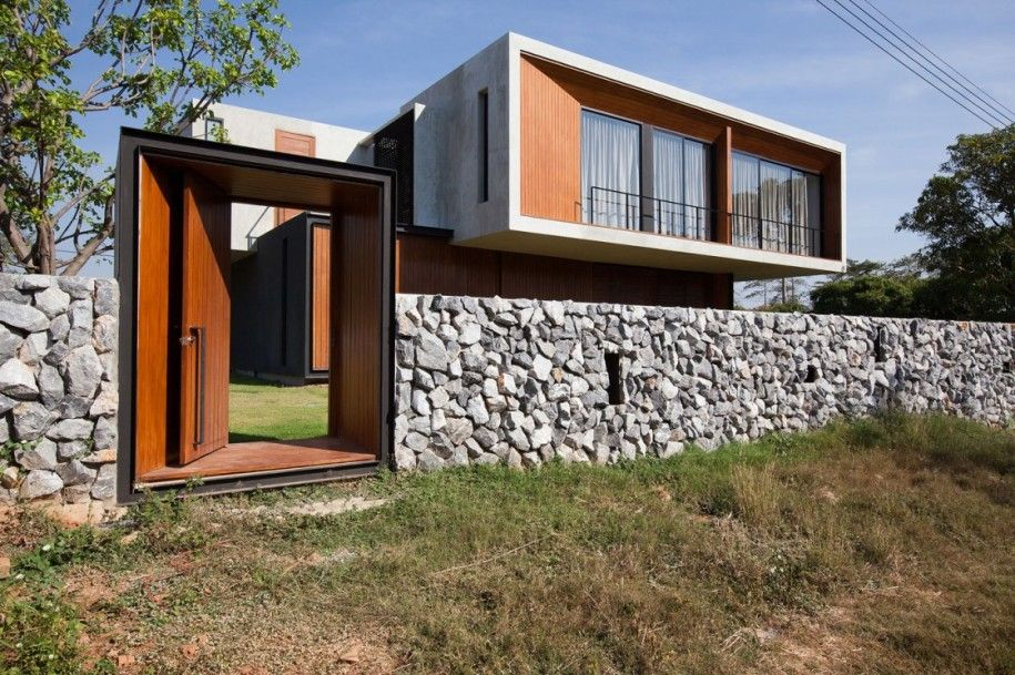 Delicieux How To Build A Minimalist Fence : How To Build A Minimalist Fence With  Wooden Entrance And Natural Stone Fence Design