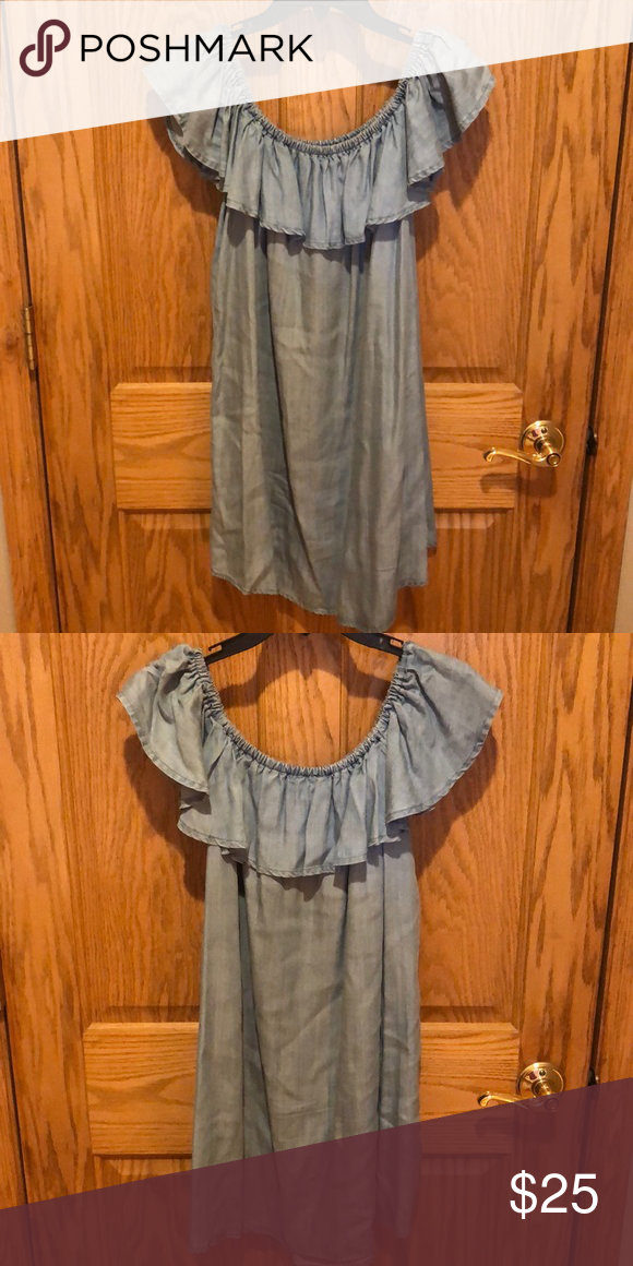 53402bea0a8e Off the Shoulder Chambray Dress (Lulus) Standout style light blue chambray  off the shoulder dress. Lulus - size Large. Lulu s Dresses Mini