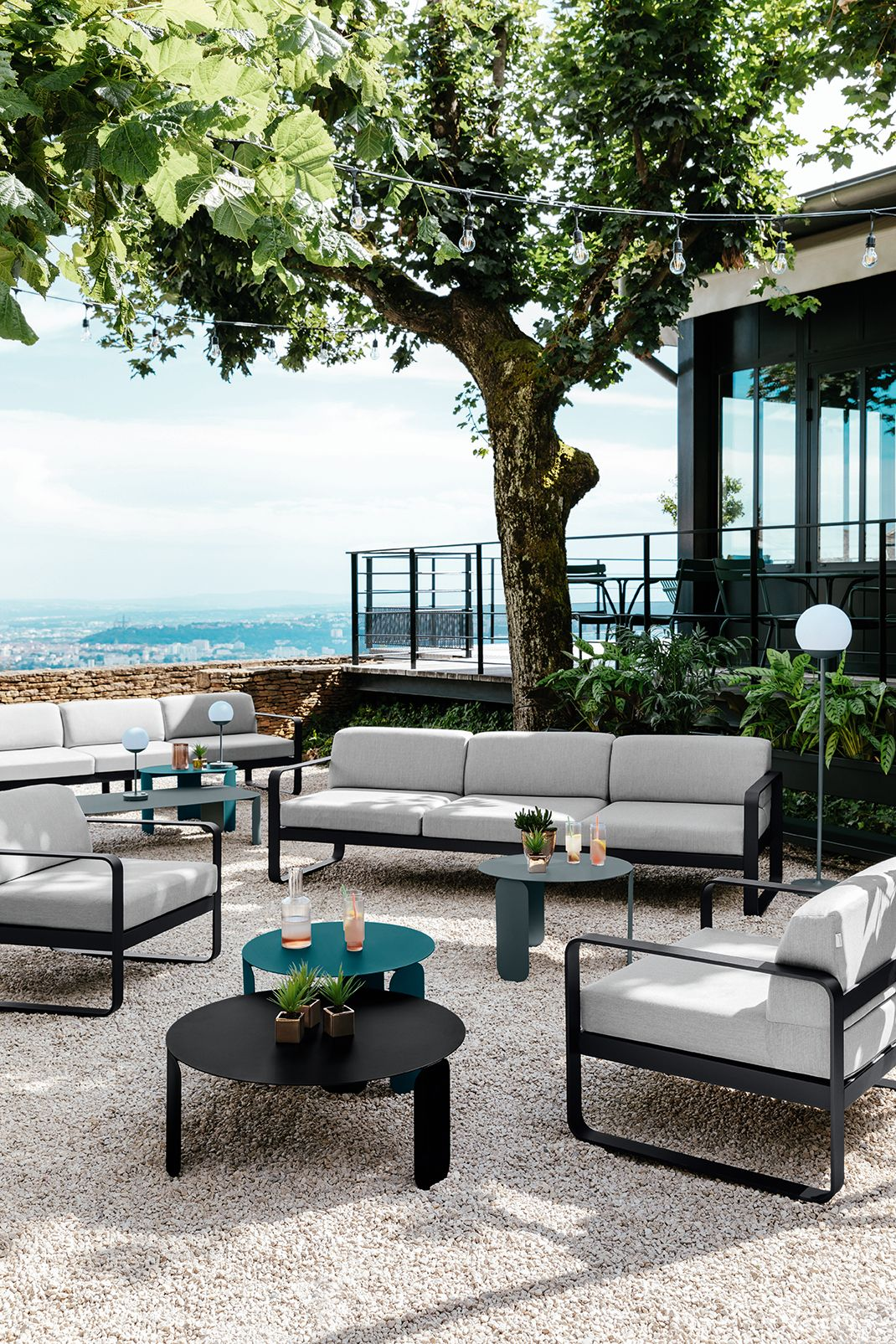 terrasse #coin #lounge #hotel #mobilier #canapé #table ...