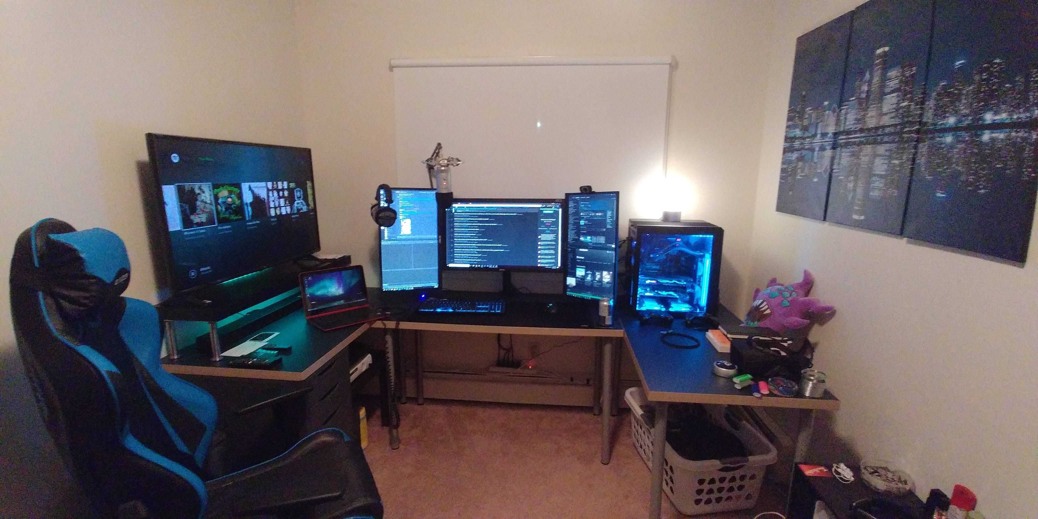 Pin By Daniel Toledo On Man Cave Video Game Rooms Best Gaming