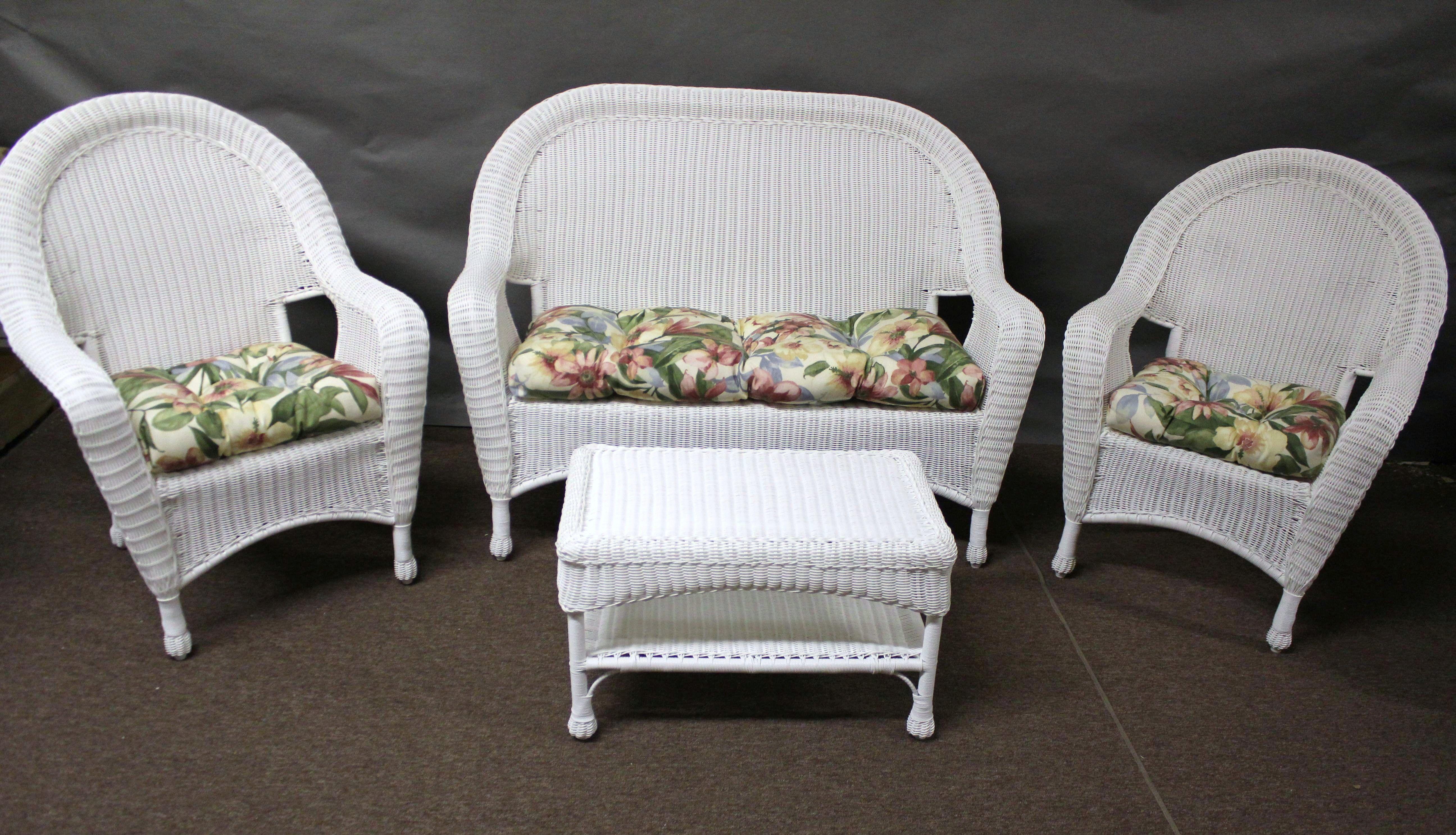 Lovely Wicker Patio Cushions