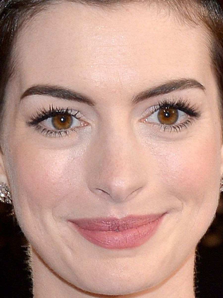 Image Result For Anne Hathaway Eyes Anne Hathaway In 2018