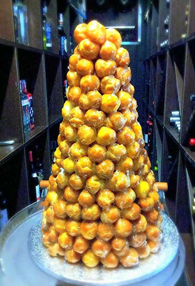 Nuts&Delights on | Croquembouche and Bodas