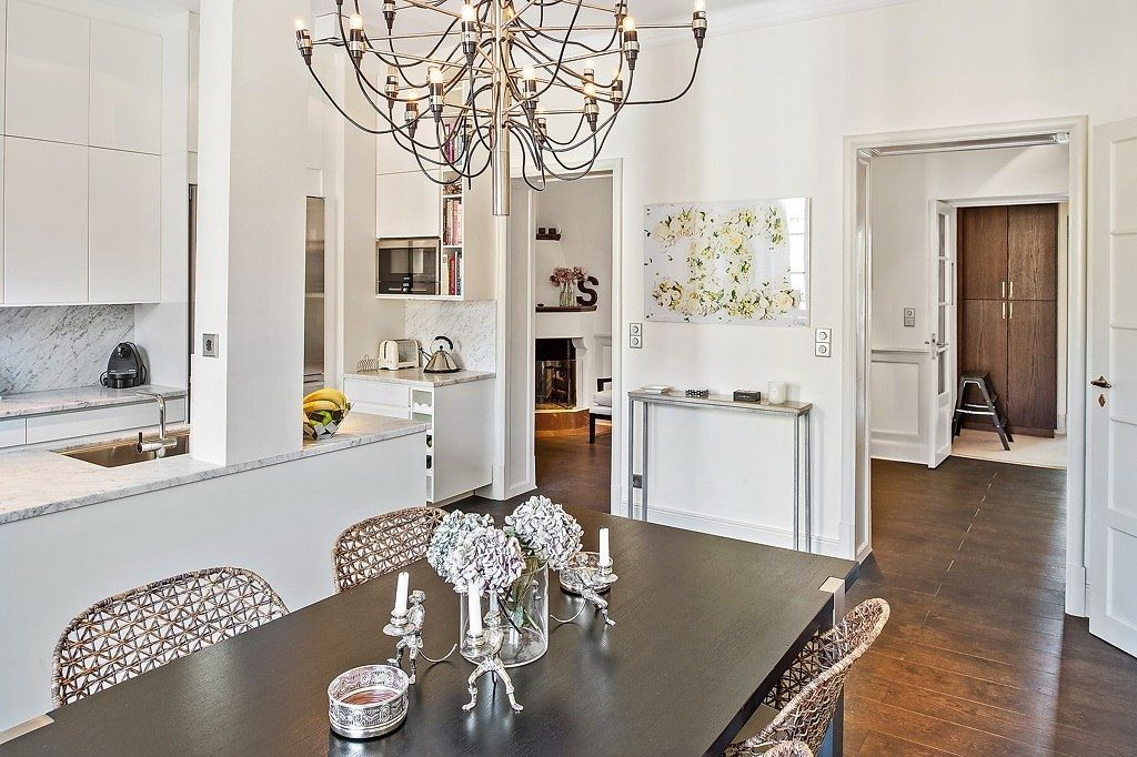 Flos 2097 30 50 Chandelier In Moscow Apartment