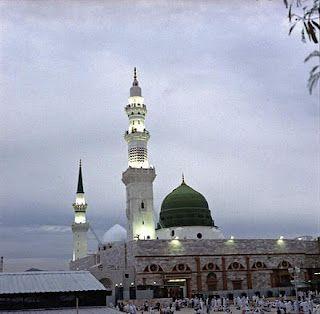 AMAZING ISLAMIC WALLPAPERS: MASJID-E-NABVI - nice islamic