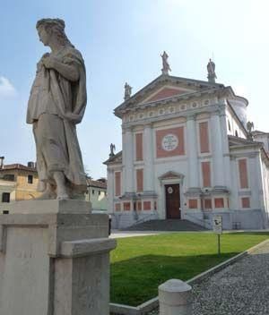 Castlefranco chuch is neighbor to Antonio Canavoa's home andmuseum