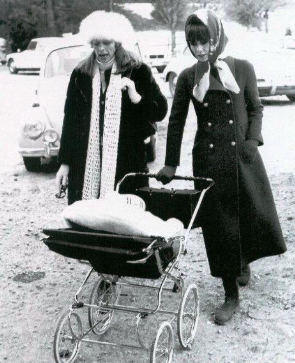 Audrey e Capucine, Gstaad 1970