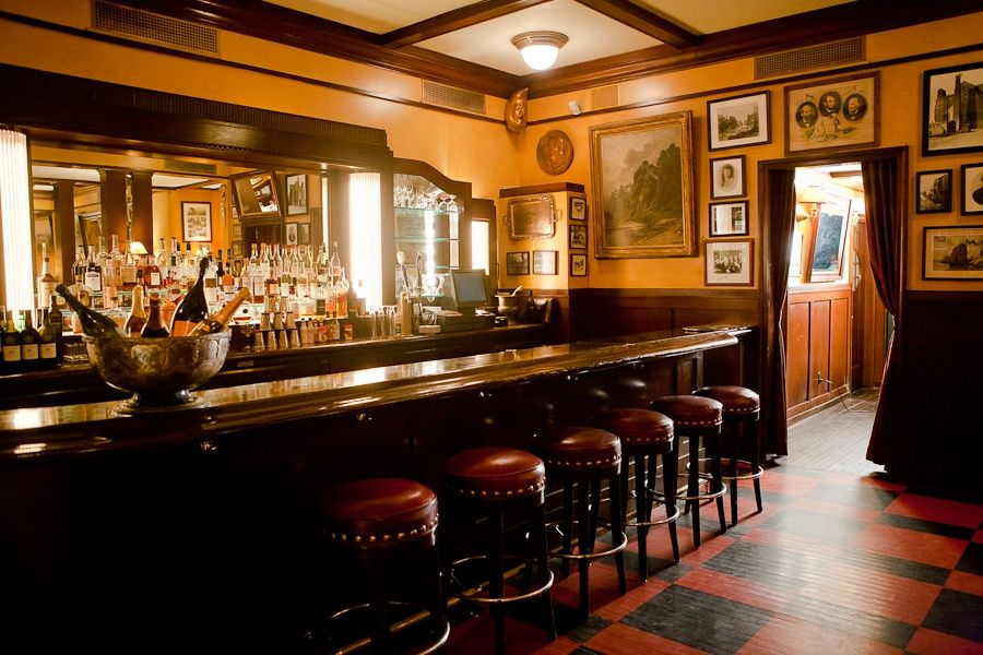Lantern S Keep Before Renovation In The Back Of The Historic Iroquois Hotel In Midtown Is A Civilized Spot To Sip On A C Classic Dining Room Room Small Spaces