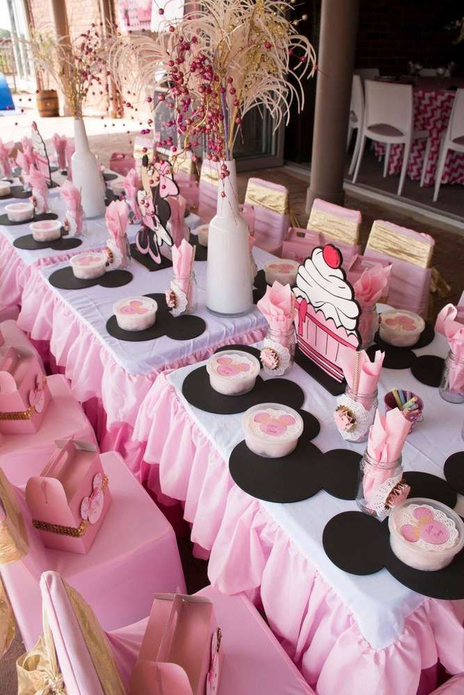 Pink And Black Table At A Minnie Mouse Birthday Party See More Ideas CatchMyParty