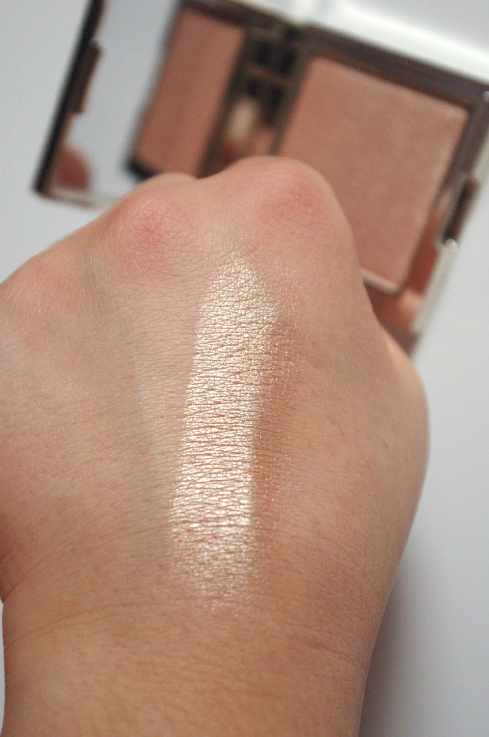 Pure Powder Highlighter by Au Naturale #7