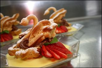 Cream Puff Swan with Chocolate Mousse