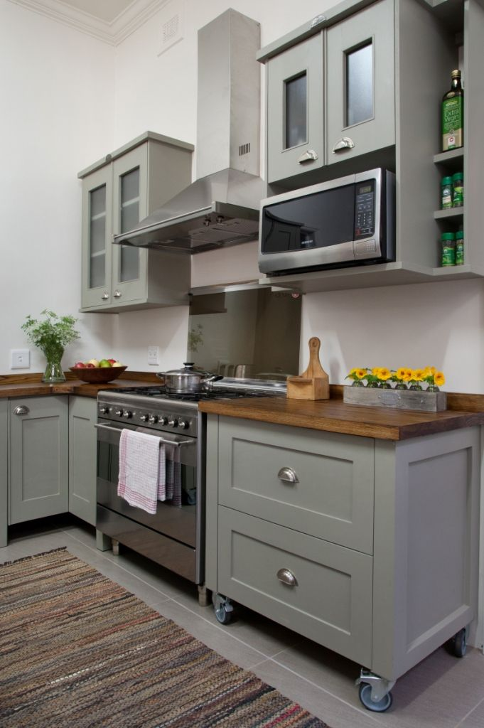 Swedish style free standing kitchen units from milestone for Kitchen units on wheels