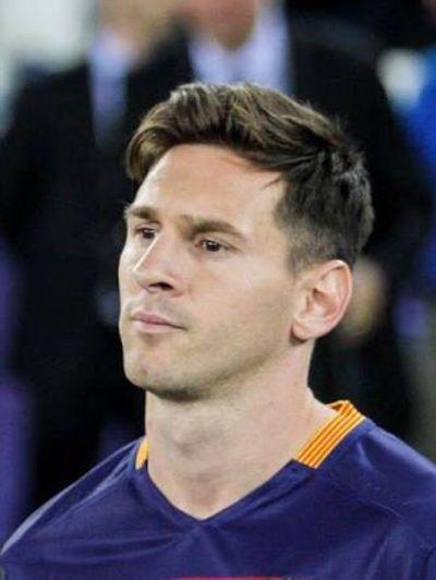 Na Espanha a coisa é mais séria. Mesmo sendo o melhor do mundo Messi não escapou da justiça espanhola. A acusação não é leve: o camisa 10…