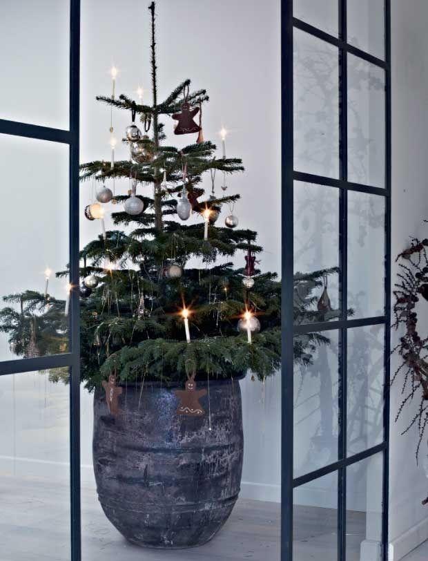 Noël dans la maison de bois noir (PLANETE DECO a homes world) | Deko ...