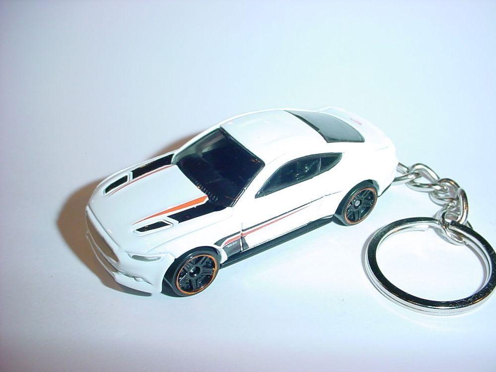 New 3d White 2015 Ford Mustang Gt Custom Keychain Keyring Key Gt