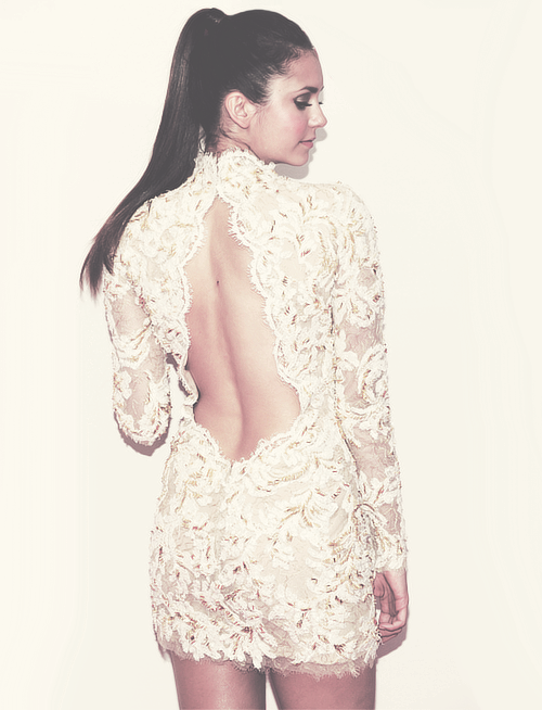 Once again, why do you have to be so damn perfect, Nina Debrev! Love her and the dress.