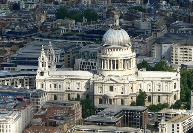 St. Paul's Cathedral London, England. Christopher Wren, 17th c.