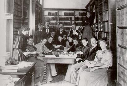 A University of Wisconsin seminar meeting in the library of the State  Capital. 1893-