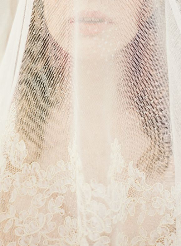 Pensive Vintage Bridal Session | Wedding Sparrow | Lauren Kurc  #veil #wedding #lace #tulle #bride #jewels #diybridesguide #bride