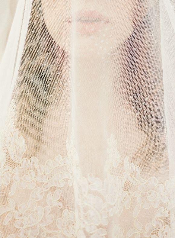 Pensive Vintage Bridal Session | Wedding Sparrow | Lauren Kurc  #veil #wedding #lace #tulle #bride #jewels #diybridesguide #bride