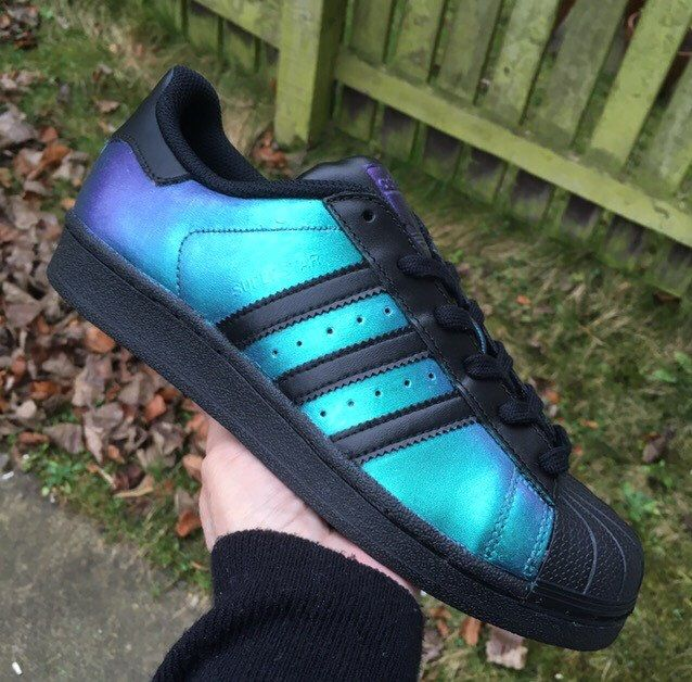 Circo seguro borgoña  Chameleon Adidas Superstar trainers colour change custom sneakers custom  trainers shoes unisex by Cassysrain… | Adidas superstar trainers, Sneakers,  Custom sneakers