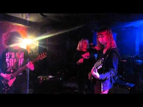 Vivo nel veleno - Eva's Borderline (live) - YouTube