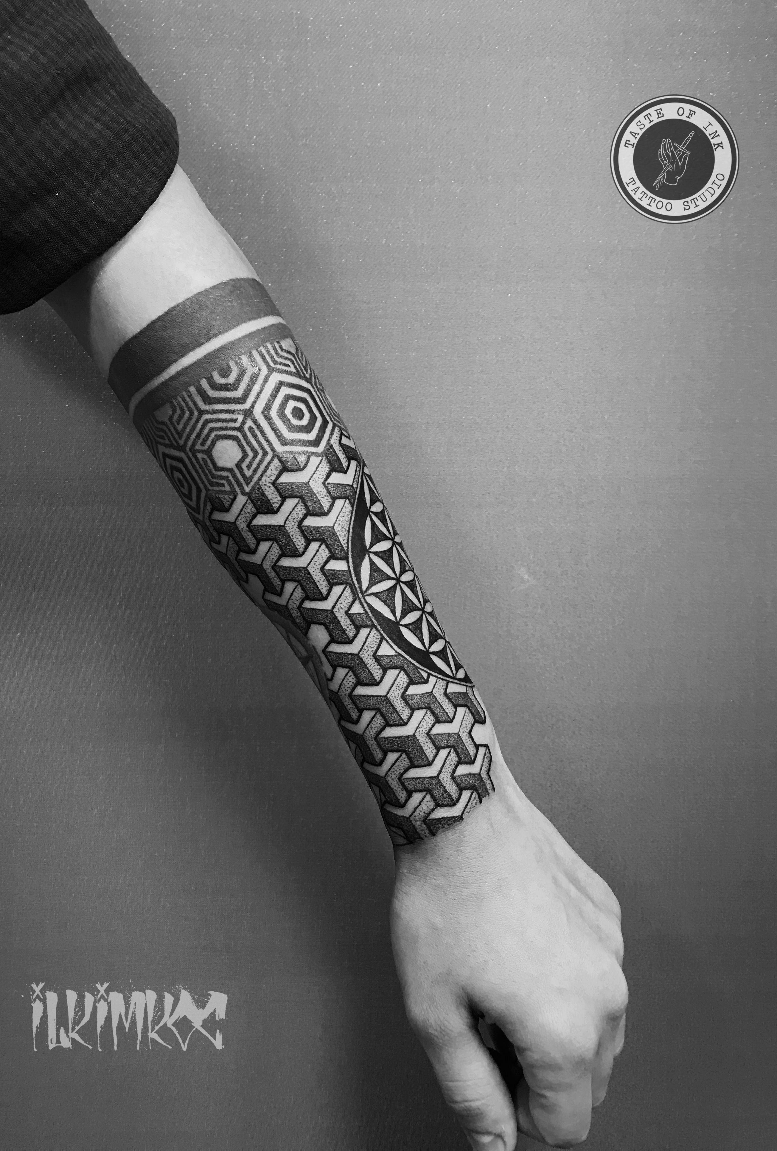 Geometric Hand Tattoo Geometrictattoos Geometric Sleeve Tattoo Geometric Tattoo Leg Geometric Tattoo Pattern