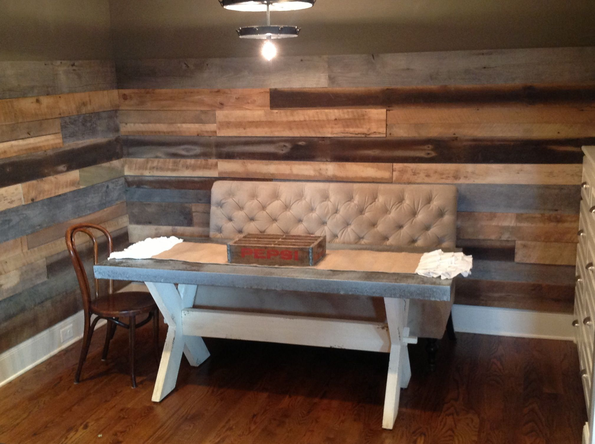 Good Wood Nashville Just Put This Barnwood Accent Wall