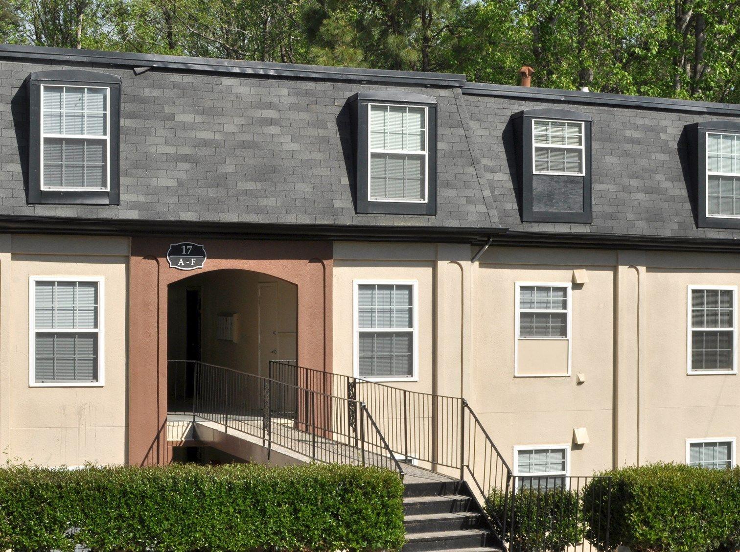 Great apartments! Hidden Colony Apartments 1, 2, 3