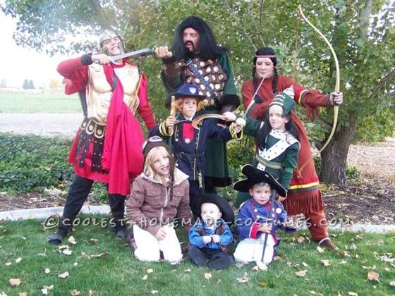 Top 10 do it yourself creative family costume ideas homemade top 10 do it yourself creative family costume ideas solutioingenieria Image collections