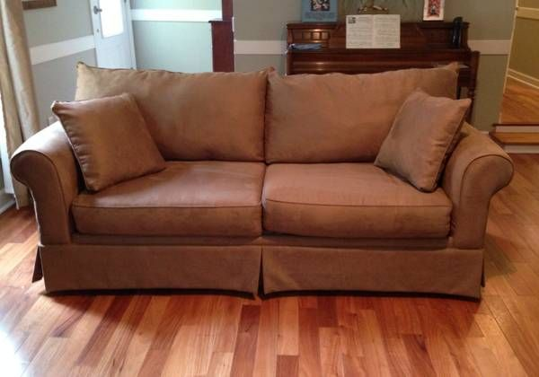 Craigslist: *Like New* Klaussner Sofa And Chair (Grove Park Collection)
