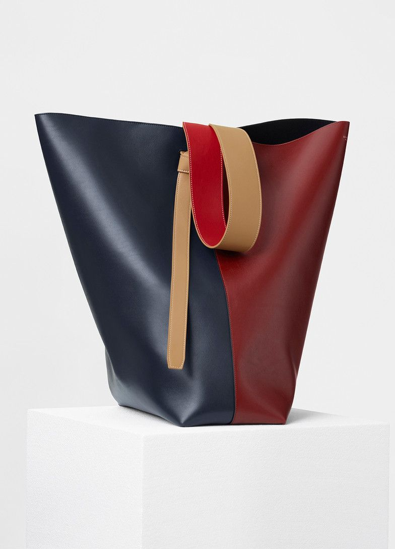 ce30feac1127 Oversized Twisted Cabas in Shiny Smooth Calfskin - Céline