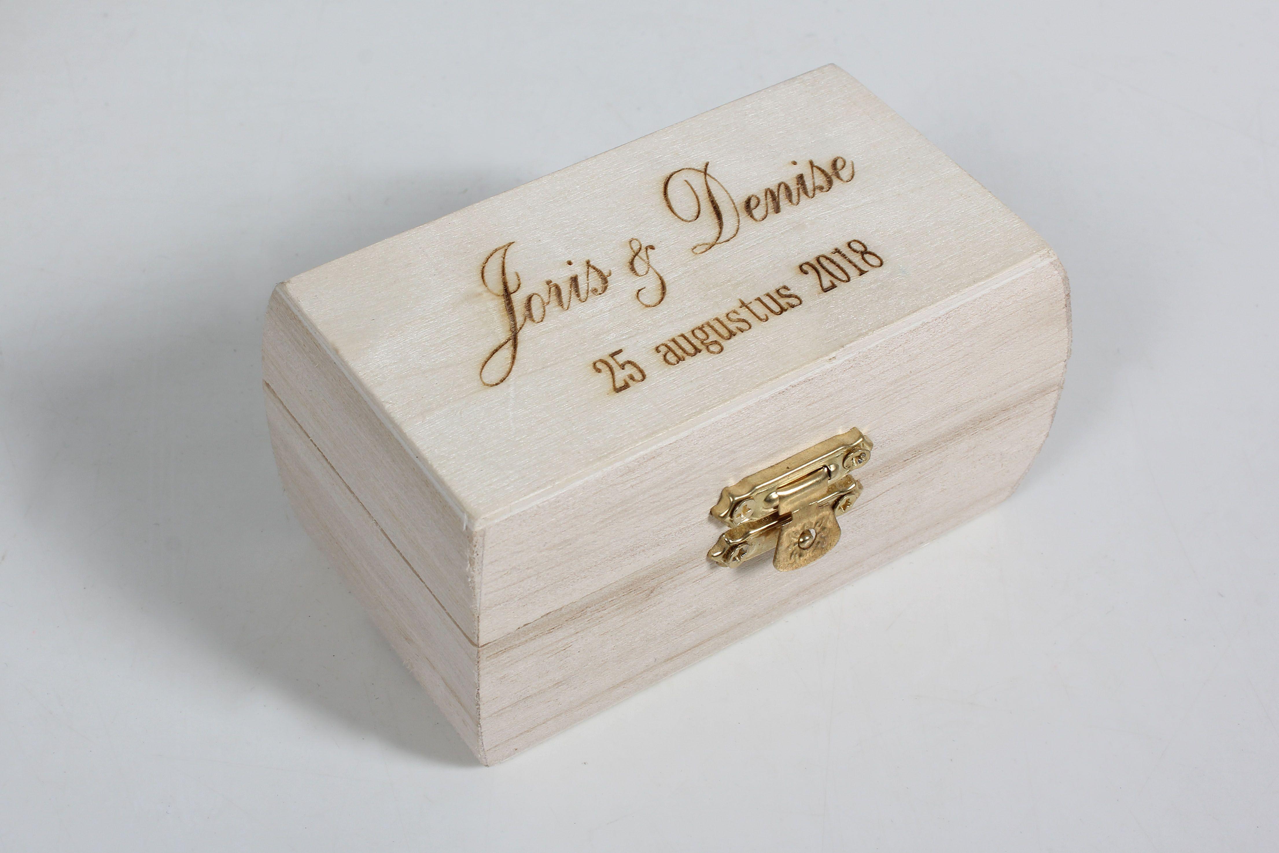 Beste Ringen doosje met graveerde persoonlijke tekst www.decoratietakken IQ-11