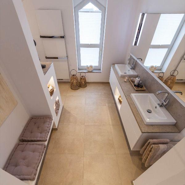 Badezimmer mit großem Doppelwaschtisch, Einbauschränken