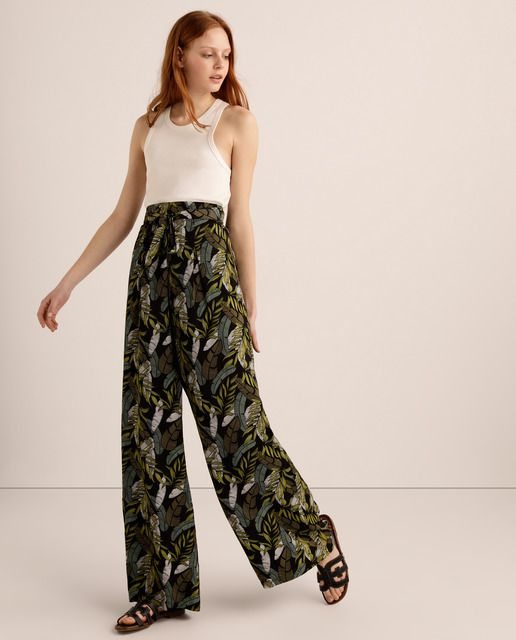 Photo of Easy Wear – Wide floral print women's trousers