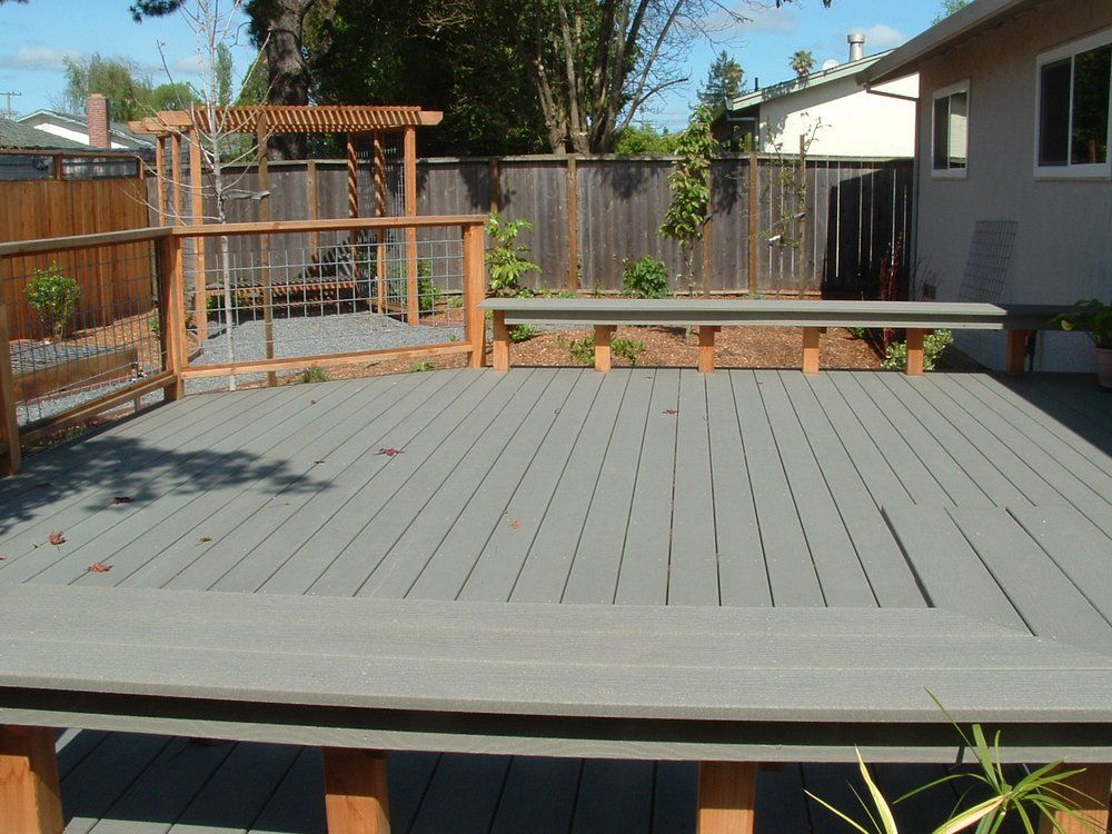 Trex Deck with hog wire railing. | Yelp | Patio ideas | Pinterest ...