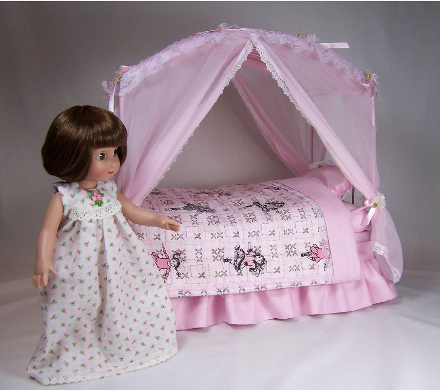 Picture Ann Estelle with canopy bed from Life and Times of Ann Estelle blog