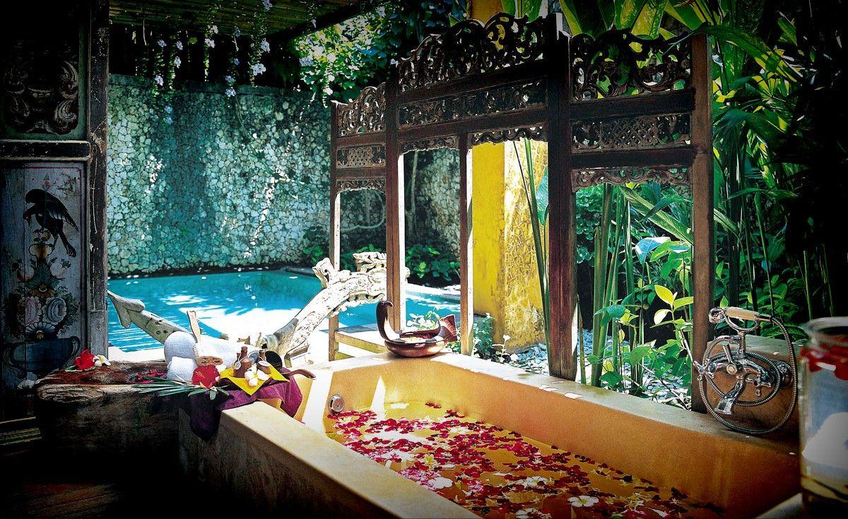 Kamar Molek Seger Waras At Hotel Tugu Bali Molek Means  # Puka Muebles Oriente