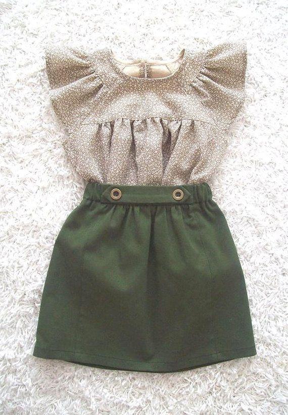 Ein süßes, aber auch ein bisschen zähes Röckchen in einer wunderschönen grünen Farbe. Bei der... #babykidclothesandideas