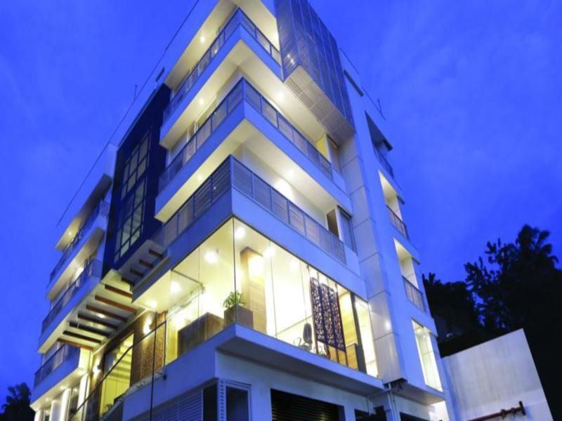 Kochi Park Connect India, Asia Ideally located in the prime touristic area of Kakkanad, Park Connect promises a relaxing and wonderful visit. The property features a wide range of facilities to make your stay a pleasant experience. 24-hour front desk, luggage storage, car park, room service, airport transfer are there for guest's enjoyment. Each guestroom is elegantly furnished and equipped with handy amenities. Enjoy the hotel's recreational facilities, including fitness cent...