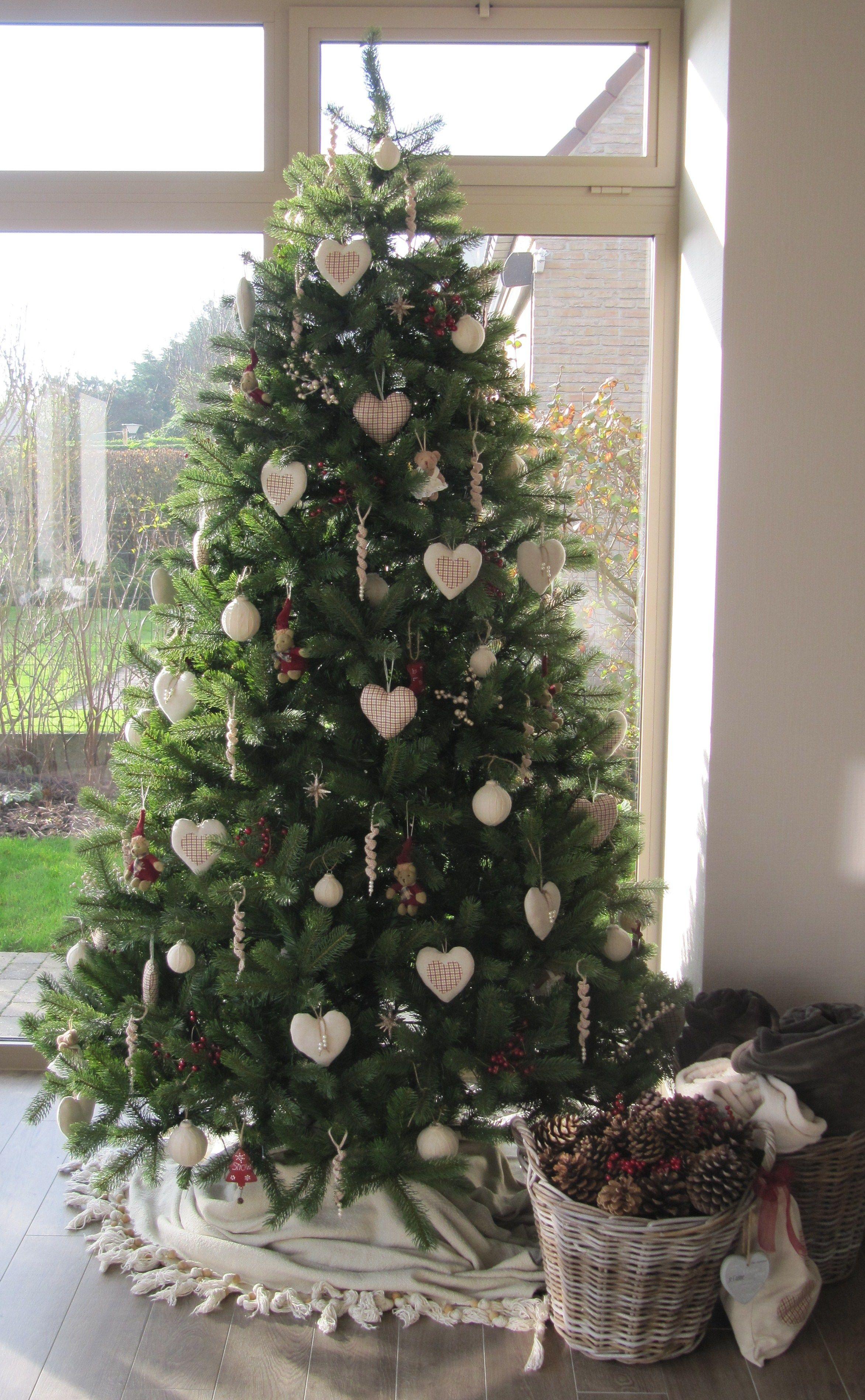 mijn Kerstboom met voor 80 % hand made stuff