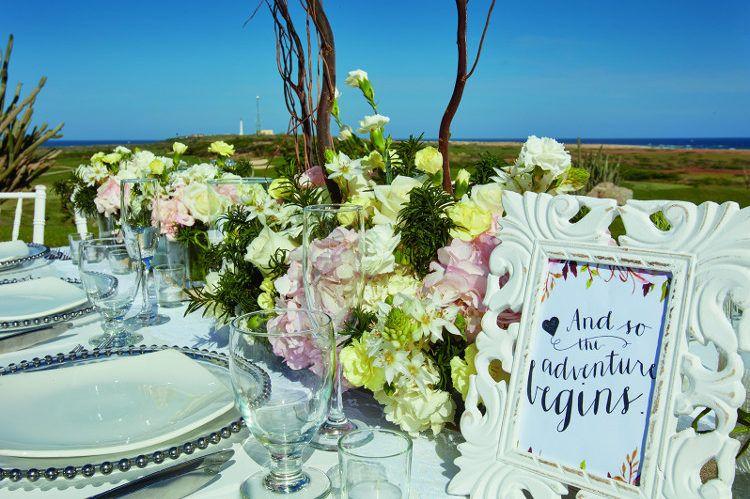 Wedding brunch. Vintage wedding ideas. Wedding on the golf course ...