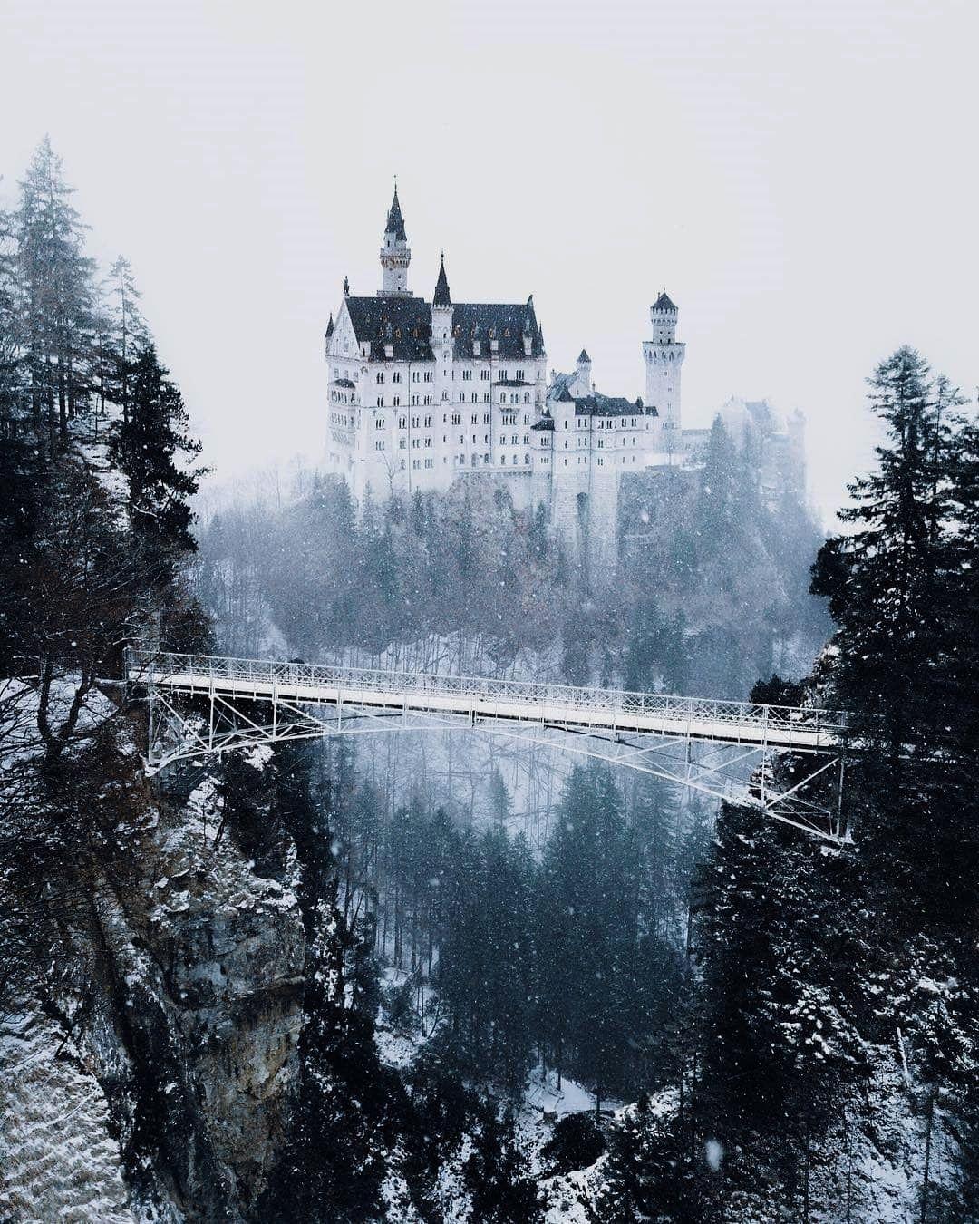 Snow Flurries At Neuschwanstein Castle From Joonaslinkola Germany Castles Neuschwanstein Castle Castle