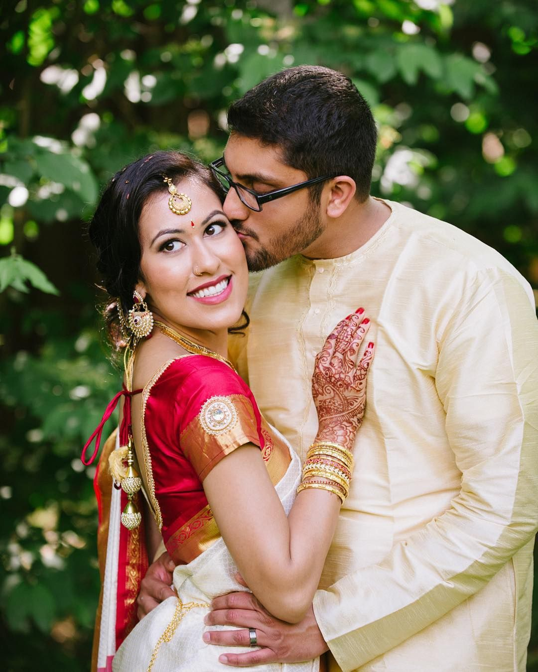 Shwetha Adip S Wedding Shot By Nina Is Featured On The Blog Today Pishiwedding In 2020 Couple Photos Wedding Photo