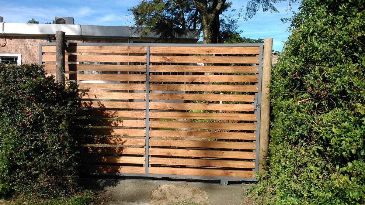 Porton madera corredizo buscar con google entramados for Buscar puertas de madera