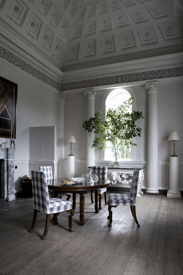 Bfi kopie english house beautiful interiors homes french also castles etc pinterest dining interior and room rh