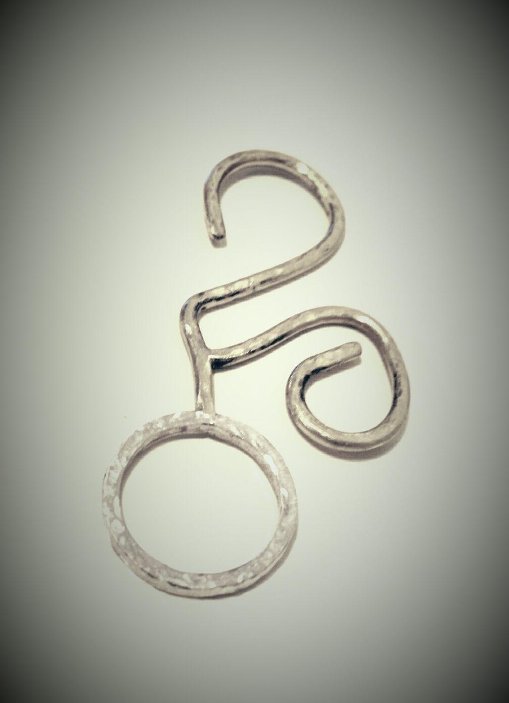 Colgante de plata con ramitas.  apb